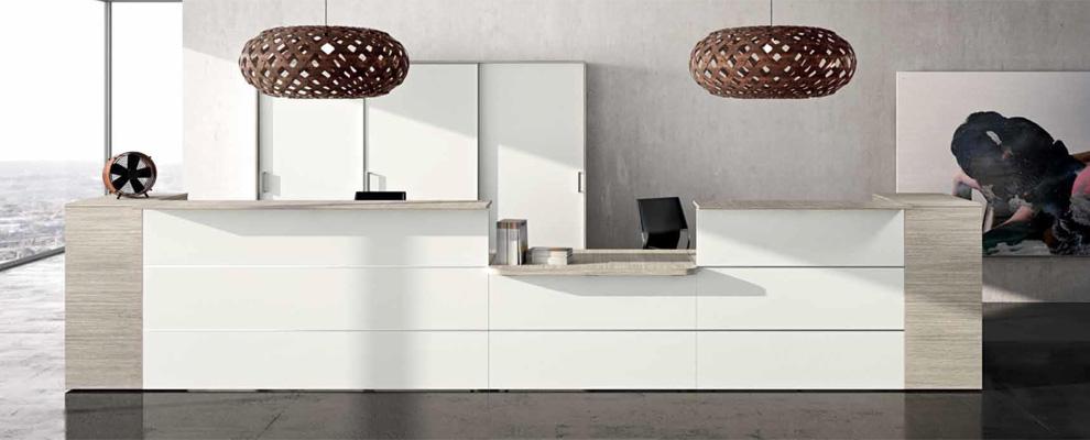 Arredamento ufficio negozi albergo toscana kartell caimi for Arredamento ufficio design