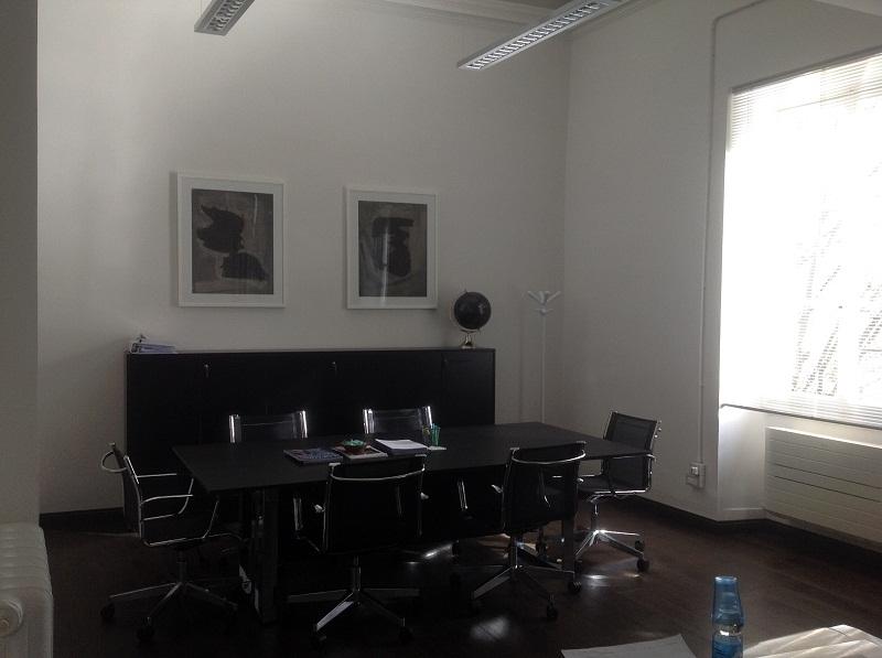 Arredamento Per Ufficio Firenze : Forniture poltrone e mobili per ufficio las firenze arredo negozi