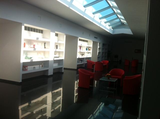 Ufficio A Firenze : Forniture poltrone e mobili per ufficio las firenze arredo negozi